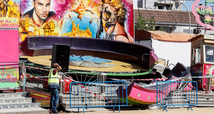 A view of samages in a amusement ride after an accident occurred in the early hours in a fairground San Jose de la Rinconada, Seville, Spain, 08 June 2019. The accident resulted in 28 people injured. 28 people injured in a fairground attraction in Seville !ACHTUNG: NUR REDAKTIONELLE NUTZUNG! PUBLICATIONxINxGERxSUIxAUTxONLY Copyright: xJosexManuelxvidalx GRAF5364 20190608-636955951735242169