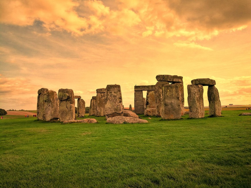 Stonehenge, England at dusk. PUBLICATIONxNOTxINxCHN 458321663937085474