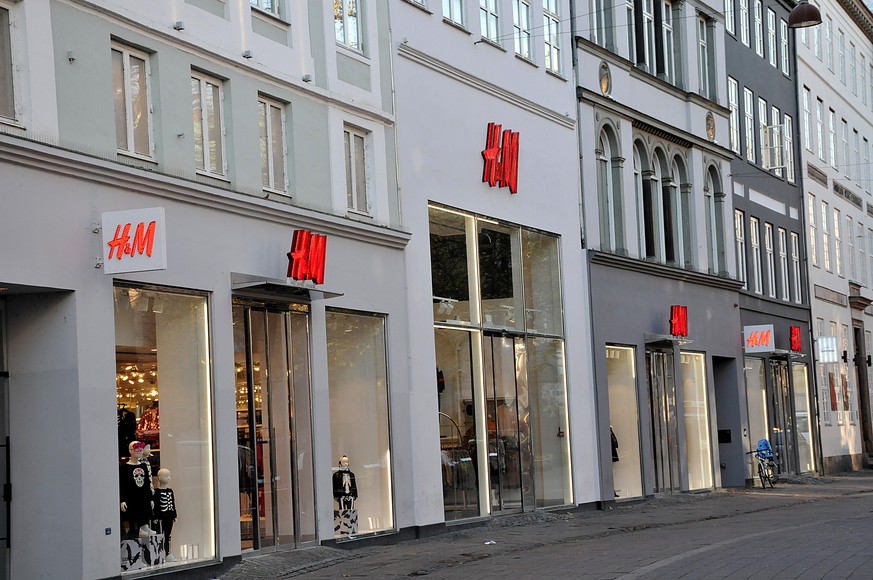 Copenhagen /Denmark/ 28.Octobert 2019/ Swedish retail store H&M in danish copital Copenhage, Photo..Francis Joseph Dean / Deanpictures. PUBLICATIONxNOTxINxDEN
