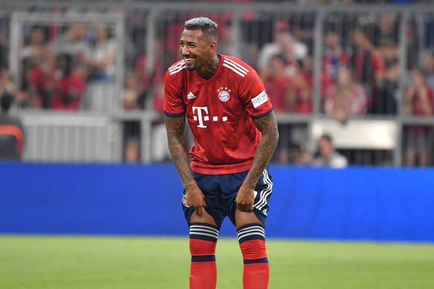 Jerome BOATENG (Bayern Muenchen), lacht,lachen,lachend, optimistisch,gutgelaunt, Aktion,Einzelbild,angeschnittenes Einzelmotiv,Halbfigur,halbe Figur. Testspiel FC Bayern Muenchen Manchester United ManU 1-0, Fussball 1. Bundesliga,Saison 2018/2019, am 05.08.2018 in Muenchen ,ALLIANZ ARENA *** Jerome BOATENG Bayern Munich laugh laughing optimistic cheerful action single image trimmed single motive half figure half figure friendly match Bayern Munich Manchester United 1 0 Soccer 1 Bundesliga season 2018 2019 05 08 2018 Muenchen ALLIANZ ARENA