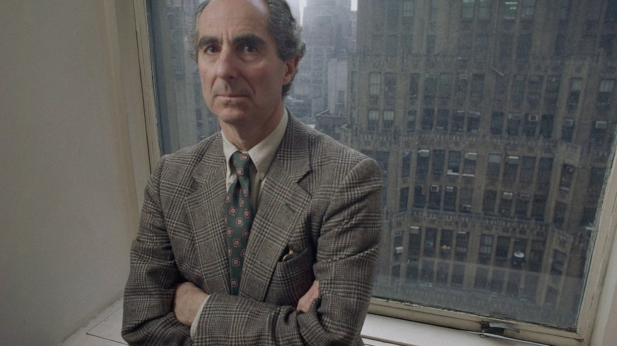 Novelist Philip Roth poses in March 1993. (AP Photo/Joe Tabbacca) |