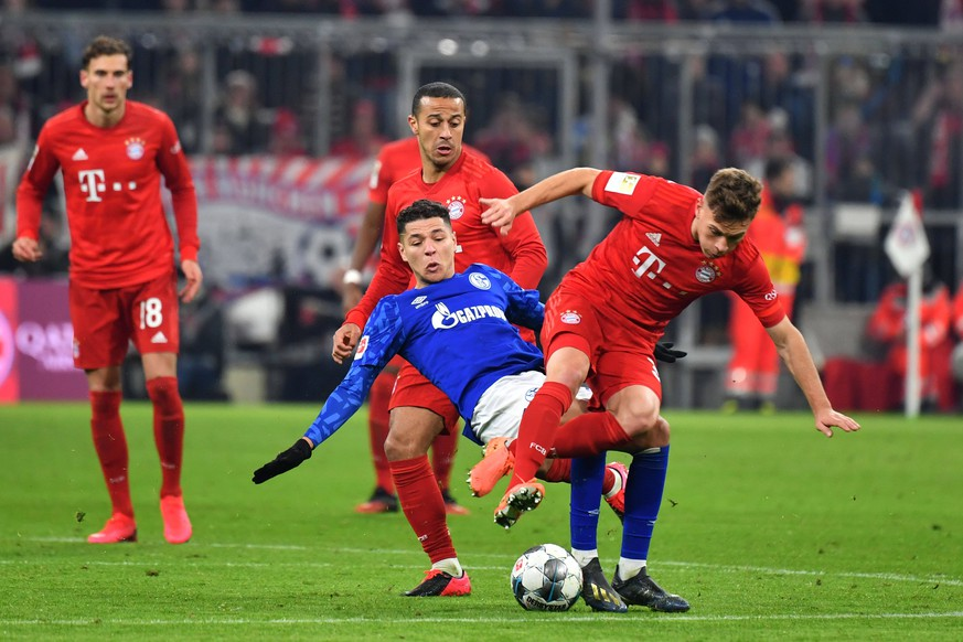 Amine HARIT FC Schalke 04, Aktion,Zweikampf gegen Joshua KIMMICH Bayern Muenchen. hi:Thiago ALCANTARA FCB. Fussball 1. Bundesliga,19.Spieltag,Spieltag19, FC Bayern Muenchen M -FC Schalke 04 GE 5-0, am 25.01.2020 in Muenchen A L L I A N Z A R E N A, DFL REGULATIONS PROHIBIT ANY USE OF PHOTOGRAPHS AS IMAGE SEQUENCES AND/OR QUASI-VIDEO. *** Amine HARIT FC Schalke 04 , Action, Duel against Joshua KIMMICH Bayern Muenchen hi Thiago ALCANTARA FCB Fussball 1 Bundesliga,19 Matchday,Matchday19, FC Bayern Muenchen M FC Schalke 04 GE 5 0, on 25 01 2020 in Munich A L L I A N Z A R E N A, DFL REGULATIONS PROHIBIT ANY USE OF PHOTOGRAPHS AS IMAGE SEQUENCES AND OR QUASI VIDEO