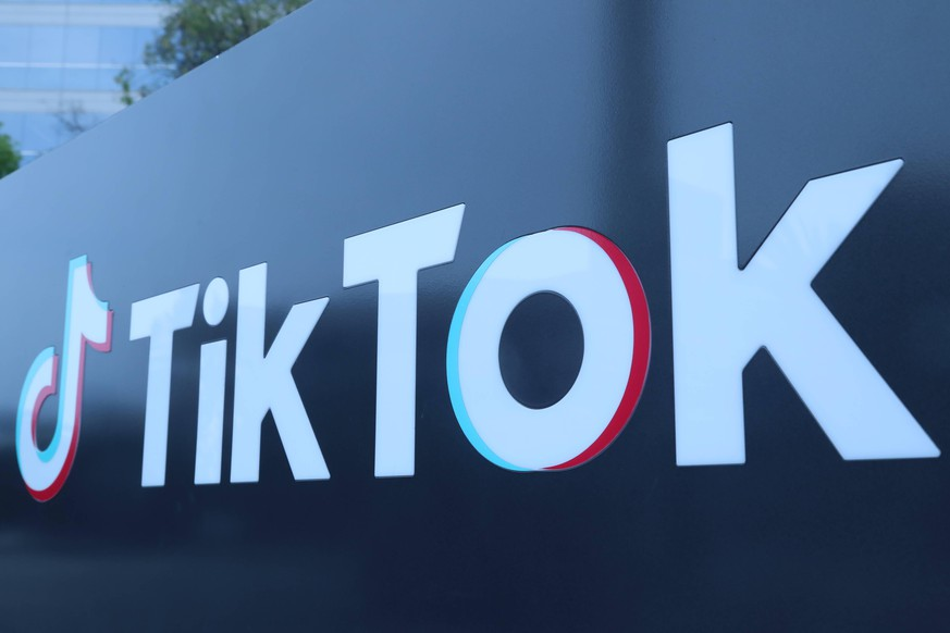 200824 -- CULVER CITY U.S., Aug. 24, 2020  -- Photo taken on Aug. 21, 2020 shows a logo of the video-sharing social networking company TikTok s Los Angeles Office in Culver City, Los Angeles County, the United States. Video-sharing social networking company TikTok on Aug. 24 filed a lawsuit against the Trump administration over an executive order banning any U.S. transactions with its parent company ByteDance.  U.S.-LOS ANGELES-TIKTOK-LAWSUIT-EXECUTIVE ORDER-TRUMP ADMINISTRATION Xinhua PUBLICATIONxNOTxINxCHN