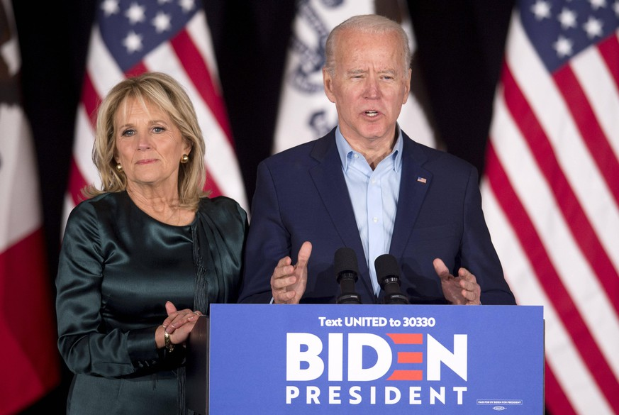 Feb.03, 2020 - Des Moines, Iowa, U.S. - With Dr. JILL BIDEN at his side, former Vice President and Democratic presidential candidate JOE BIDEN speaks at Drake University. Finals results from the Iowa caucuses were delayed and not released at the time of his remarks. Des Moines U.S. PUBLICATIONxINxGERxSUIxAUTxONLY - ZUMAce6 20200203zafce6004 Copyright: xBrianxCahnx