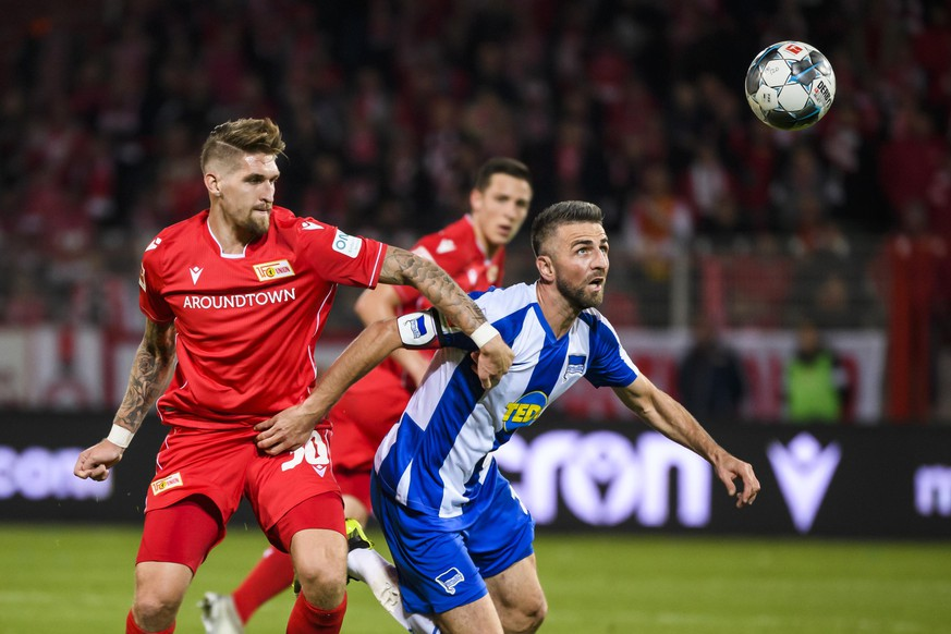02.11.2019, xkvx, Fussball 1.Bundesliga, Union Berlin - Hertha BSC Berlin emspor, v.l. Robert Andrich 1. FC Union Berlin, Vedad Ibisevic Hertha BSC Berlin DFL/DFB REGULATIONS PROHIBIT ANY USE OF PHOTOGRAPHS as IMAGE SEQUENCES and/or QUASI-VIDEO Berlin *** 02 11 2019, xkvx, Football 1 Bundesliga, Union Berlin Hertha BSC Berlin emspor, v l Robert Andrich 1 FC Union Berlin , Vedad Ibisevic Hertha BSC Berlin DFL DFB REGULATIONS PROHIBIT ANY USE OF PHOTOGRAPHS as IMAGE SEQUENCES and or QUASI VIDEO Berlin